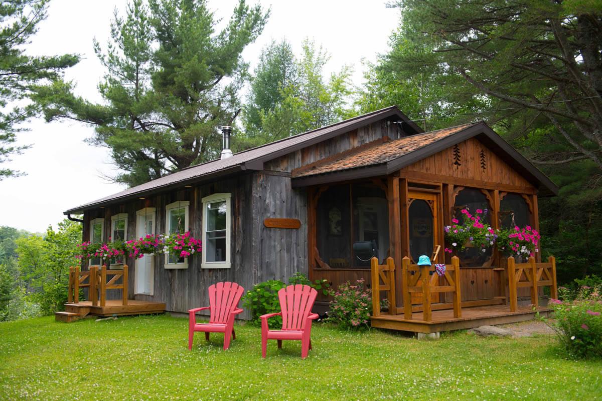 Chalet de bois maison contemporaine et condo urbain for Maison rustique