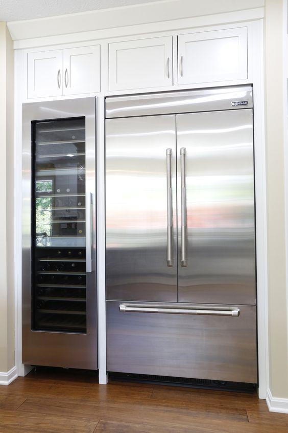 Électro-ménager, ici, un frigidaire et un cellier économe en énergie.