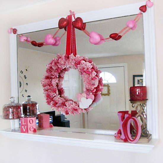 Mirroir de salon décoré pour la Saint-Valentin