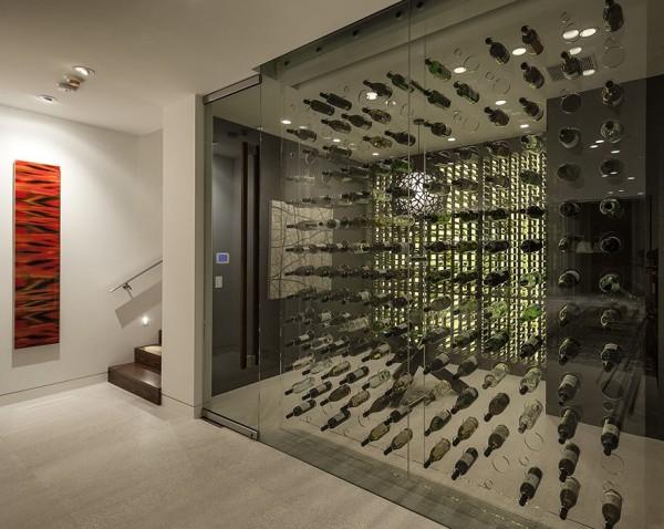 Magnifique cave à vin vitrée