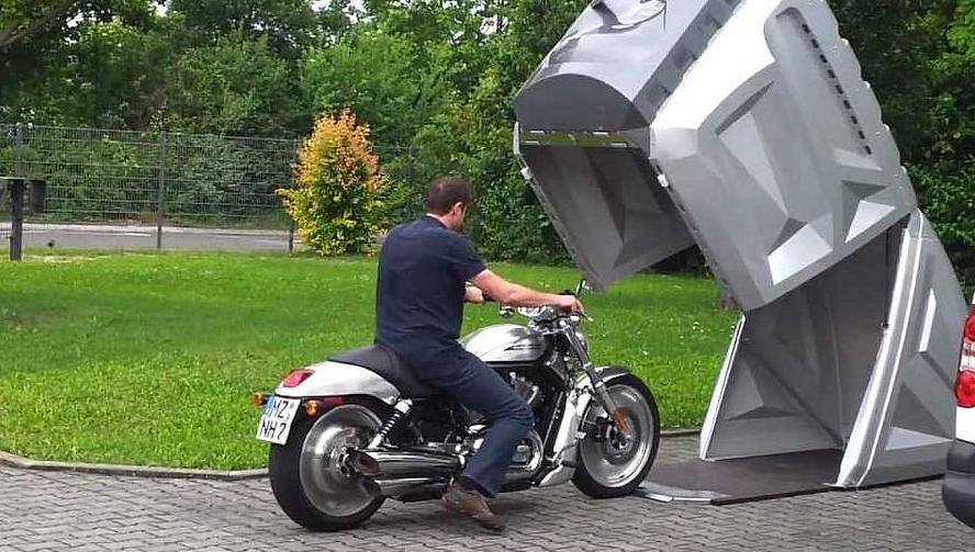 Un abris pour votre moto vraiment génial.