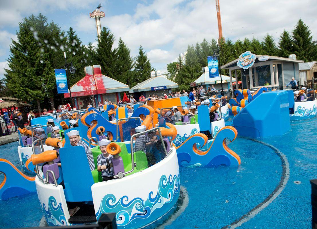 Manège aquatique du parc d'attraction La Ronde