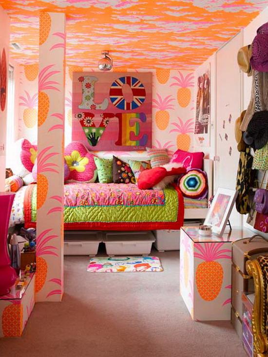 Décoration de chambre d'adolescent aux accents miltiples et multicolores