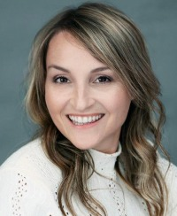 KATE CLAVEAU, RE/MAX SIGNATURE