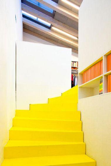 escaliers jouez la carte printemps mettez de la couleur. Black Bedroom Furniture Sets. Home Design Ideas