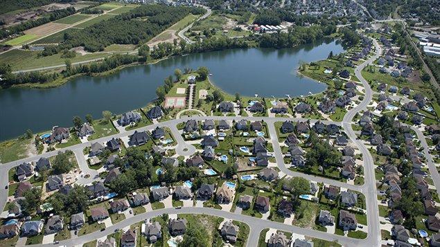 Vue aérienne d'un quartier résidentielle de Blaiville