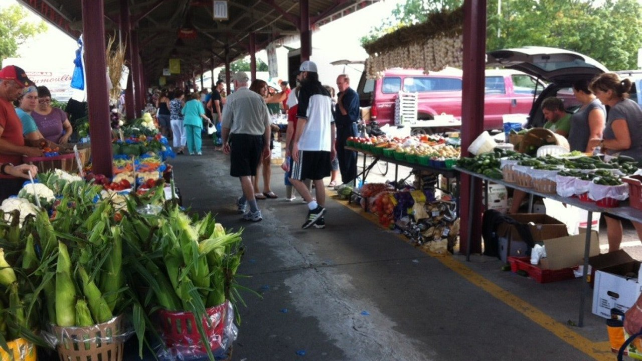 Vue sur un marché publique à Saint Jérome