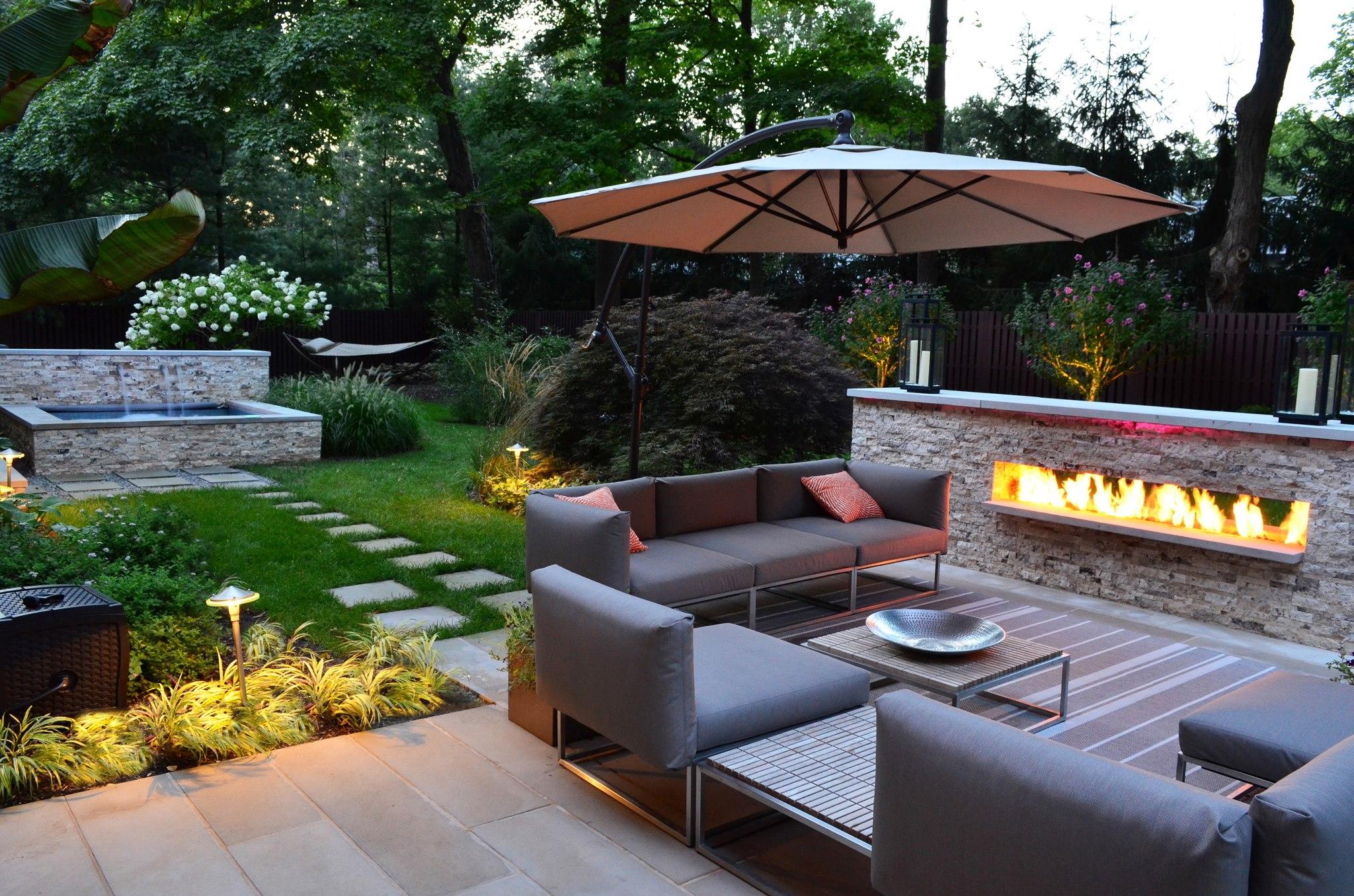 Mobilier De Jardin De Style Chic Avec Spa Et Fontaine