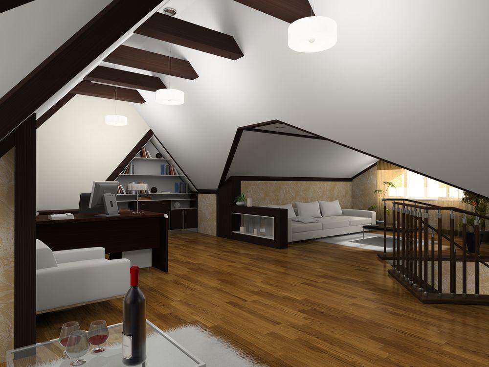 Petit coin bureau avec espace maximisé en avec les espaces vide du plafond en angles