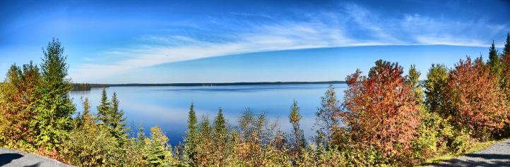 Journeé ensoleillée au Lac Quevillon a Lebel-sur-Quévillon dans le Nord du Québec