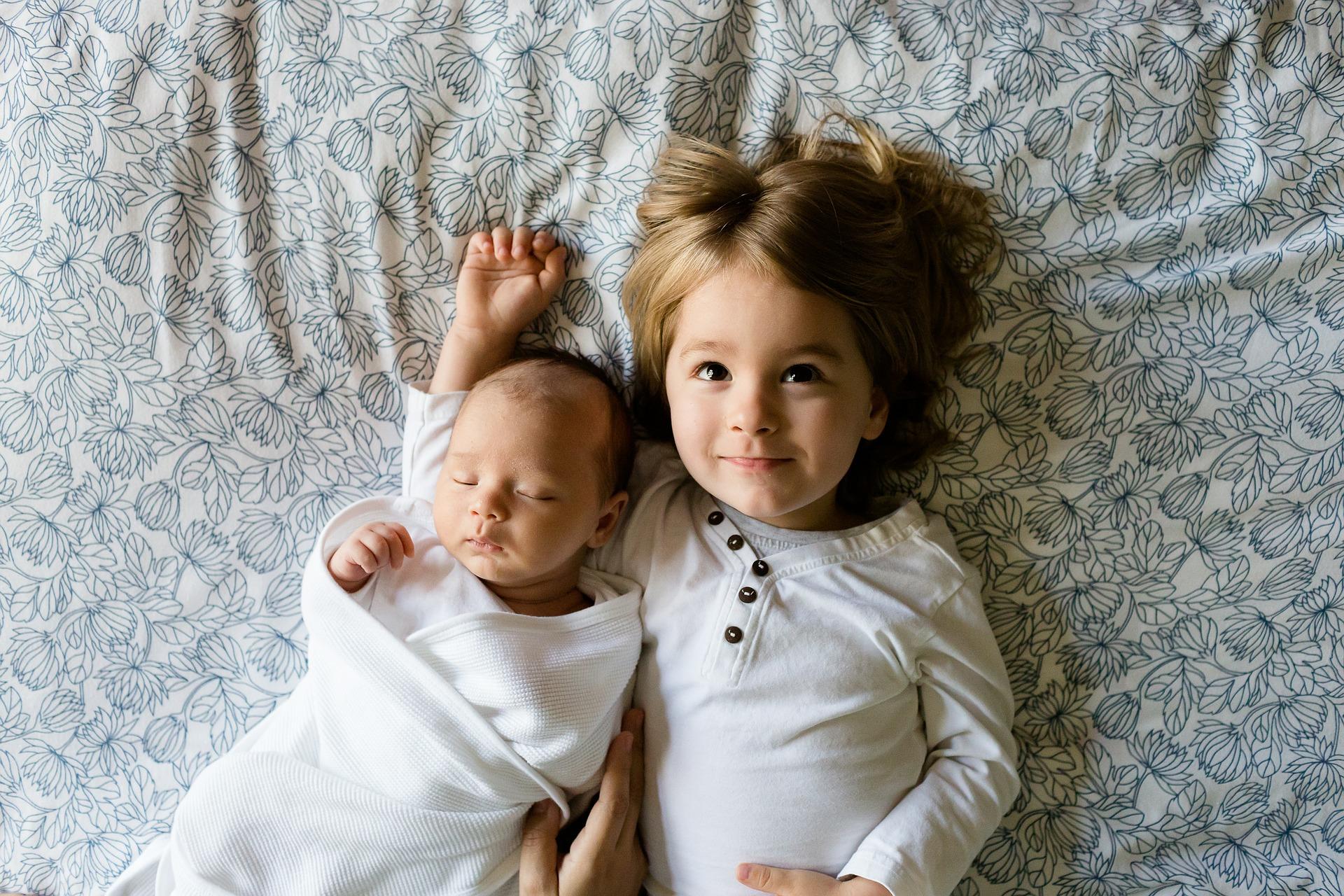 Deux enfants, une seule chambre!