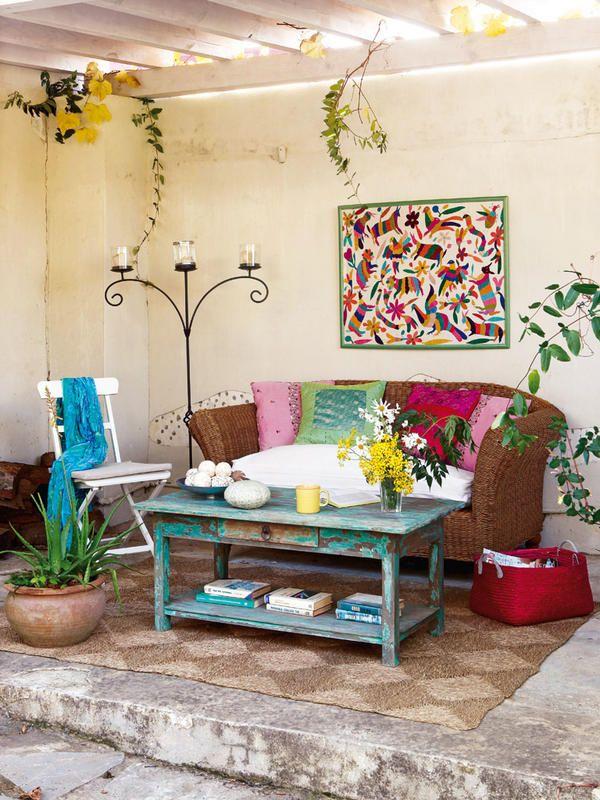 Petit salon décoré avec un style amérique du sud