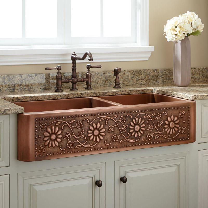 Evier et robineterie en cuivre