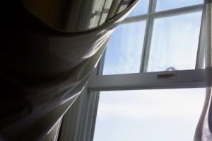 Photo de fenêtre ouverte l'hiver