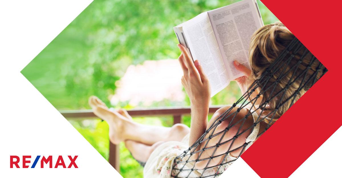 8 suggestions de lecture parfaites pour l'été
