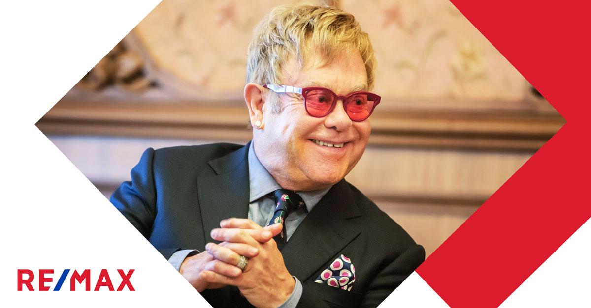 Aimez-vous le look chargé de la maison de 32,6 millions $ d'Elton John?