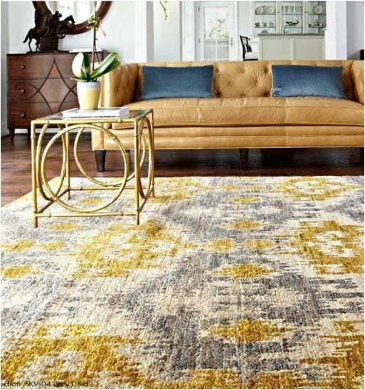 Salon avec tapis de couleur gris et jaune Ochre Gold