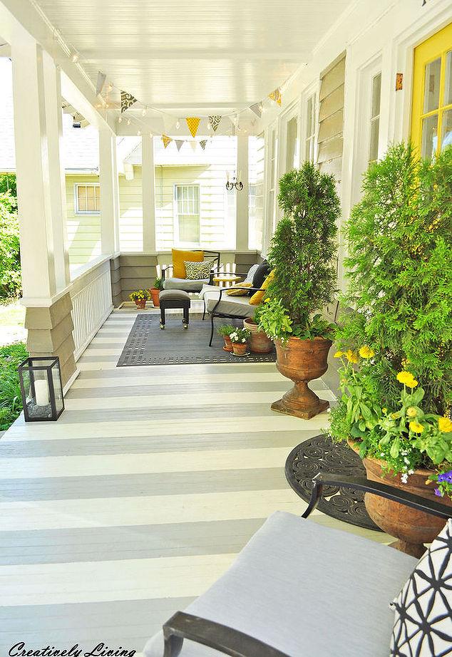 De plus en plus inclus dans les nouvelles constructions, le porche revient en grand!