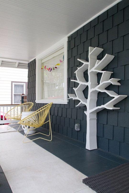 Grand porche avec décoration de style année 70