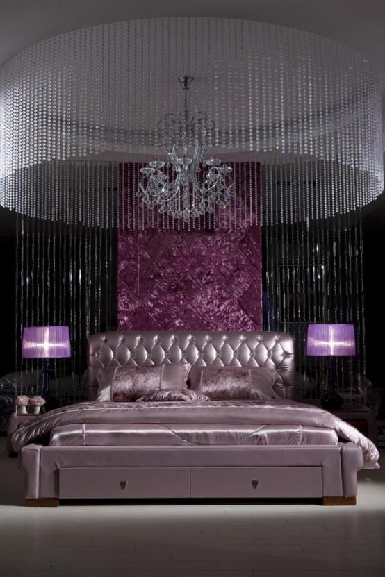 Chambre aux allures feutrée et chic kitsh