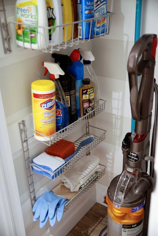 Rangement de produits ménagers